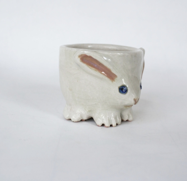 even though this egg cup is white, it's still Ressie inspired.