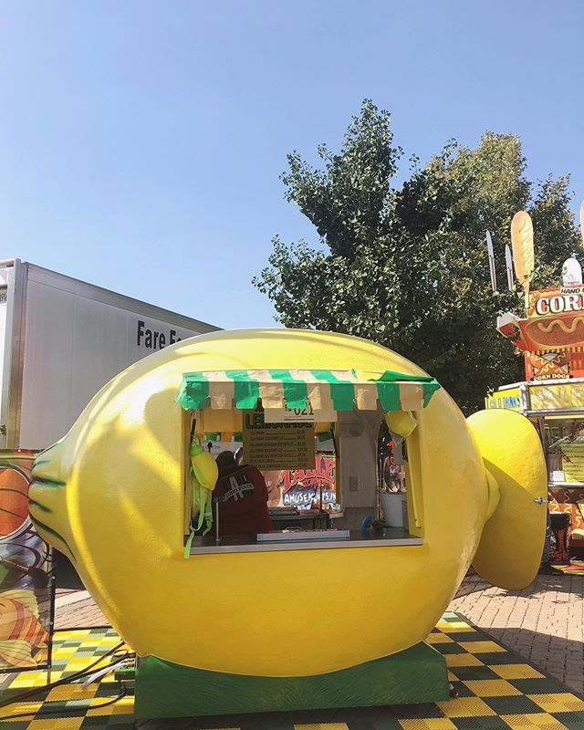 We recently attended the fair and let me tell you, it is the definition of *stimulation overload* aka there are a lot of options. . . But when I saw this little booth I was immediately drawn to it. I had no desire for lemonade until that moment. But lemonade from a cute giant lemon 🍋? Yes please! . . Yes it was hot and the drink was refreshing. But what got me was the experience, that's what I was excited about and drew me in. . . It got me thinking about how I can apply this to my events? The world live in is the definition of stimulation overload too. Events can't just exist anymore to be meaningful, they have to draw people in with unique experiences that stand out from the crowd.