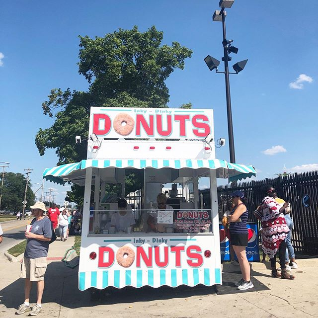 Just announced another year of @columbusdonutfestival and I am so excited to work on this project again! 🍩🍩🍩Looking through all my inspiration I've snapped this past year and this little stand from the @ohiostatefair caught my eye. I just love all its personality!