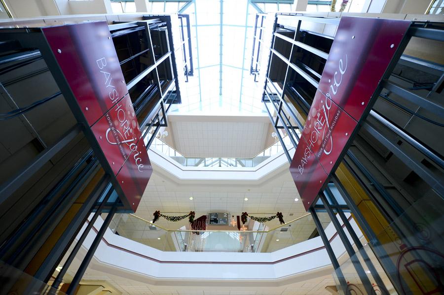 Bayshore Shopping Centre: Holiday Campaign Interior Branding