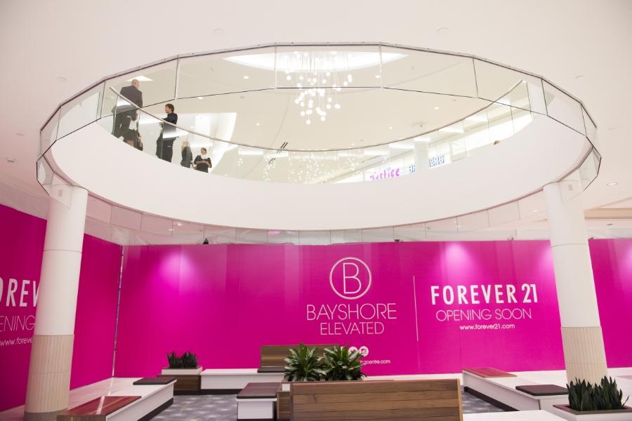 Bayshore Shopping Centre: Hoarding