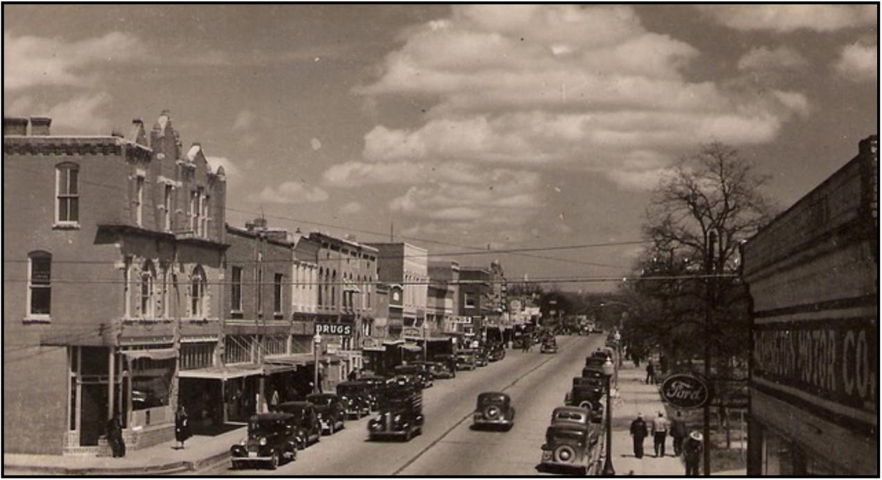 Tahlequah, Oklahoma—old-timey cars on main street