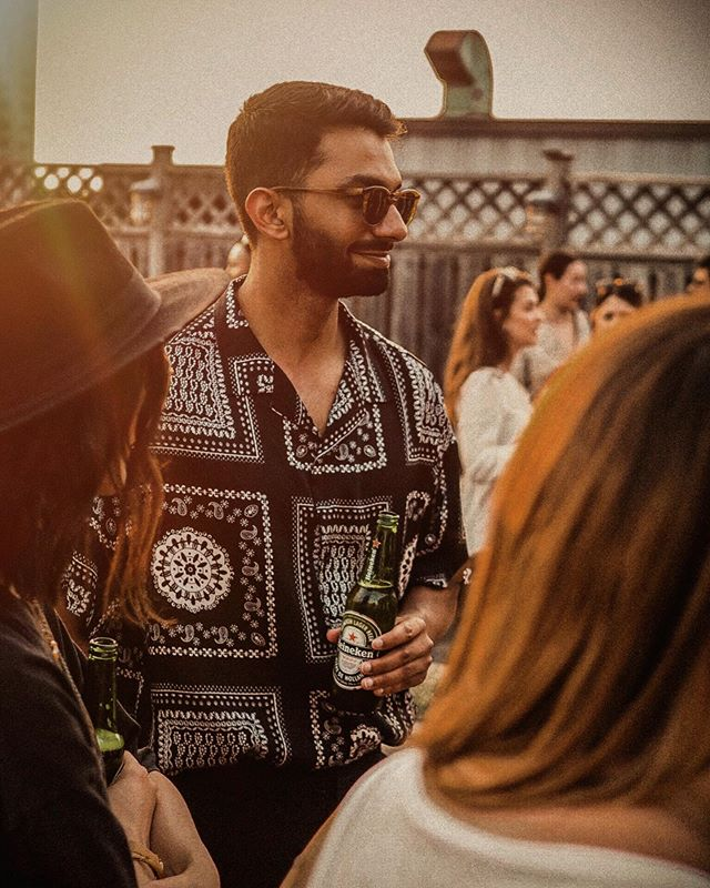 Friday mood ft. @heinekenca🍺 Cheers to @mr.danielocean for catching this📸☀️ #PlatformParty . . . . . . #mensfashion #mensstyle #ootdfashion #mensootd #springlook #style #summer2019 #guyswithstyle  #summerstyle #menwithclass #menwithstyle #gentwithclassicstyle #outfitoftheday #contemporary #modamensfashion #todayslook #mensfashion #gq #fashionformen #mensfashionpost #discoverunder15k #styleiswhat #dailywatch #styleblogger