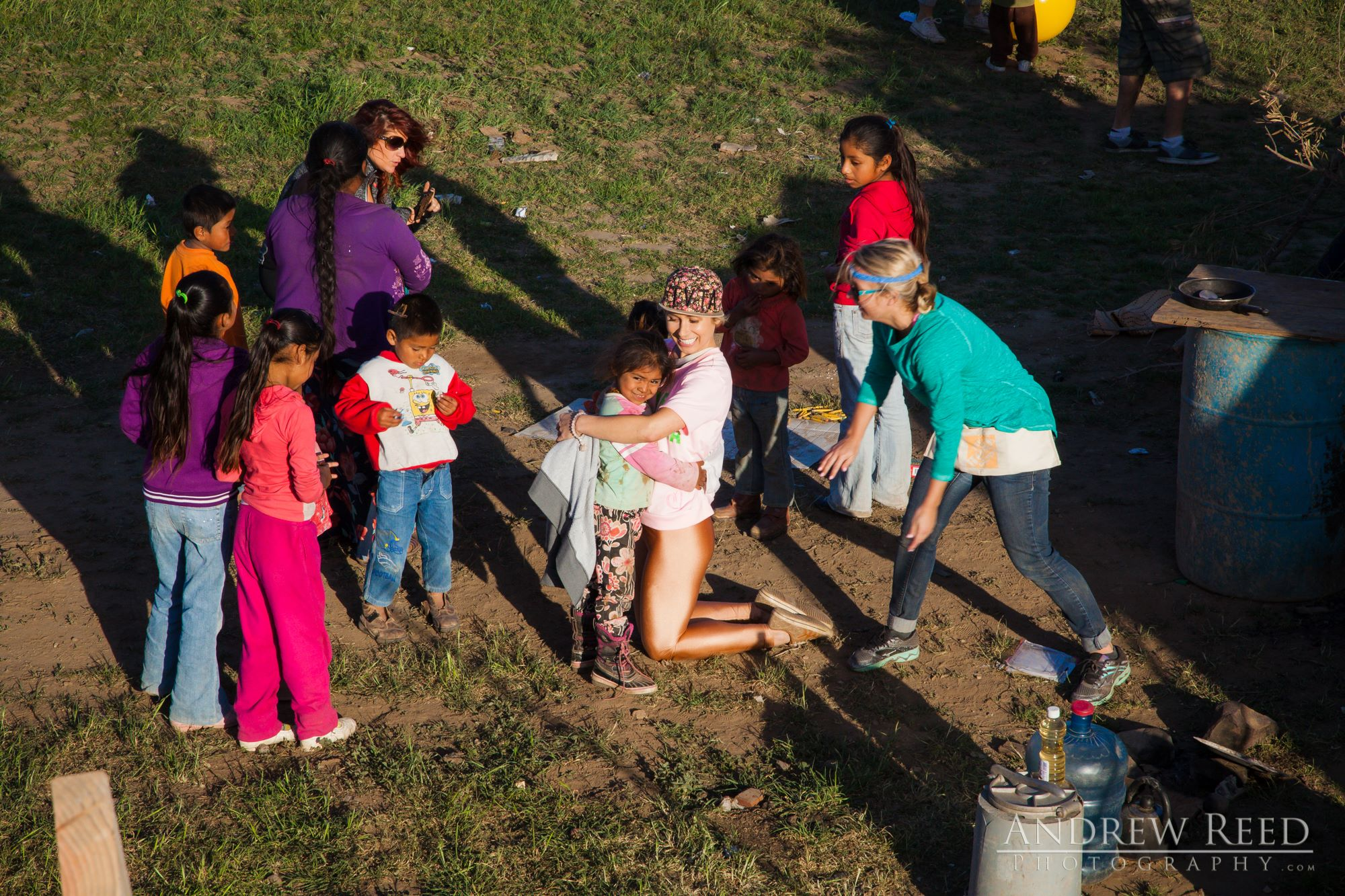 After a few hours they started to open up and Patricia, Jesus, Martina and their siblings became our playmates! They loved coloring, playing with kites, and Patricia soon took charge as the leader :)
