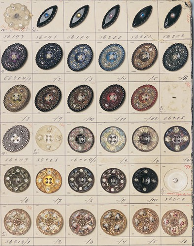 Button Sample Card  - Jablonec