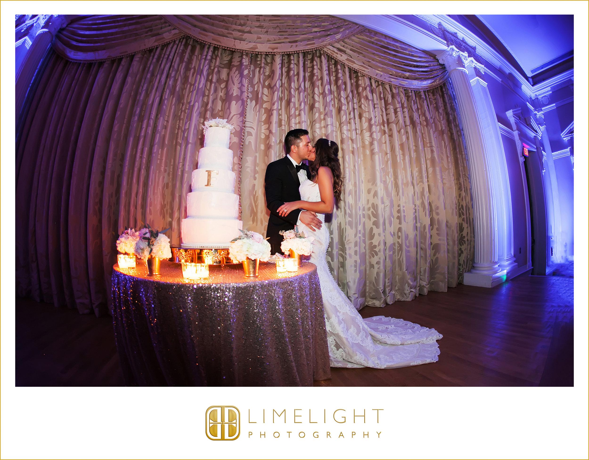 Kiss | Mr. & Mrs. | Wedding