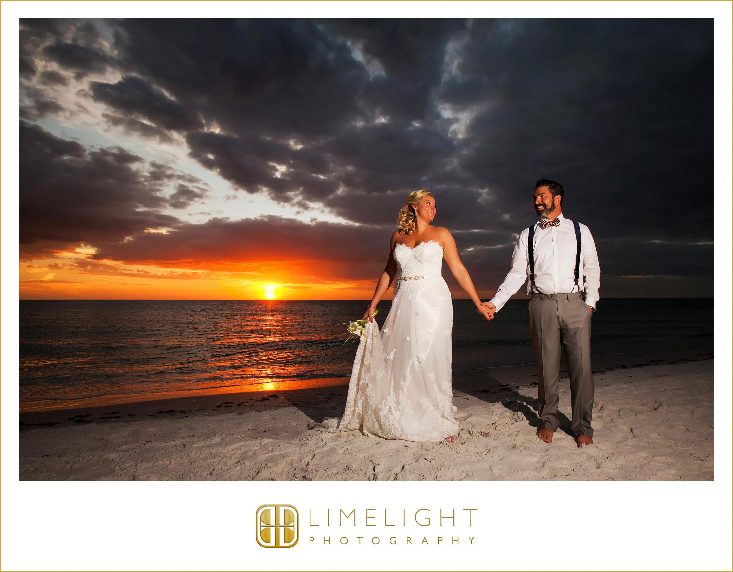 Sunset | Mr. & Mrs. | Wedding