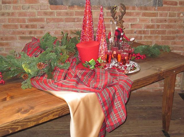 •with our in-house farm tables, it doesn't take much to decorate for your holiday party at g1028! and the best part is that we have 13 of them!•