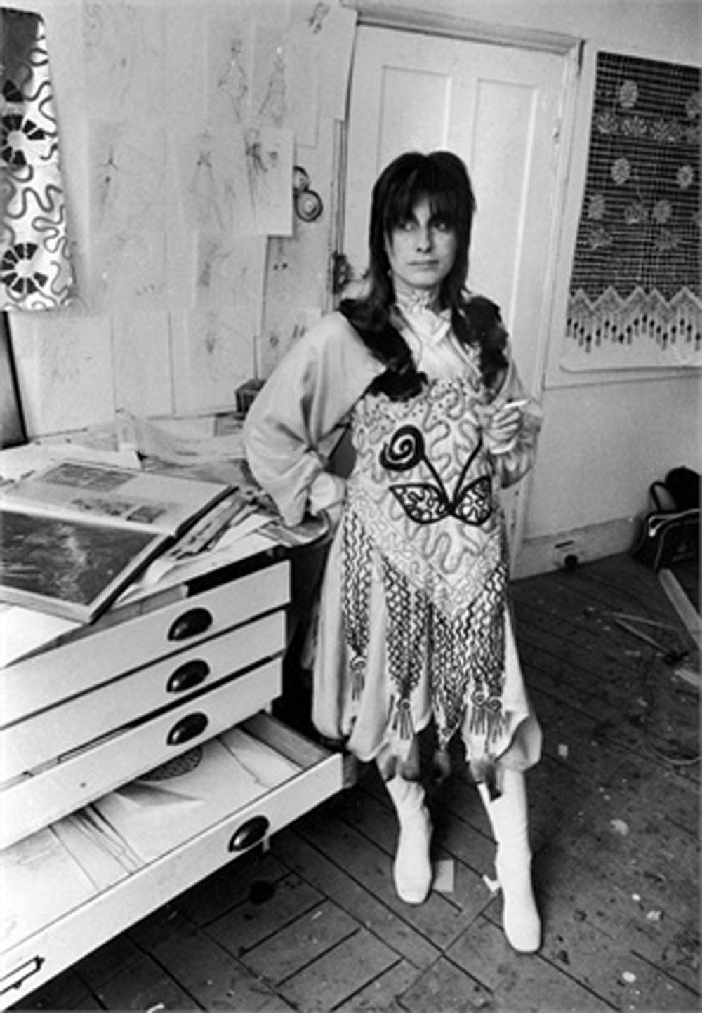 Zandra in 1970 (with green hair) in her London Studio