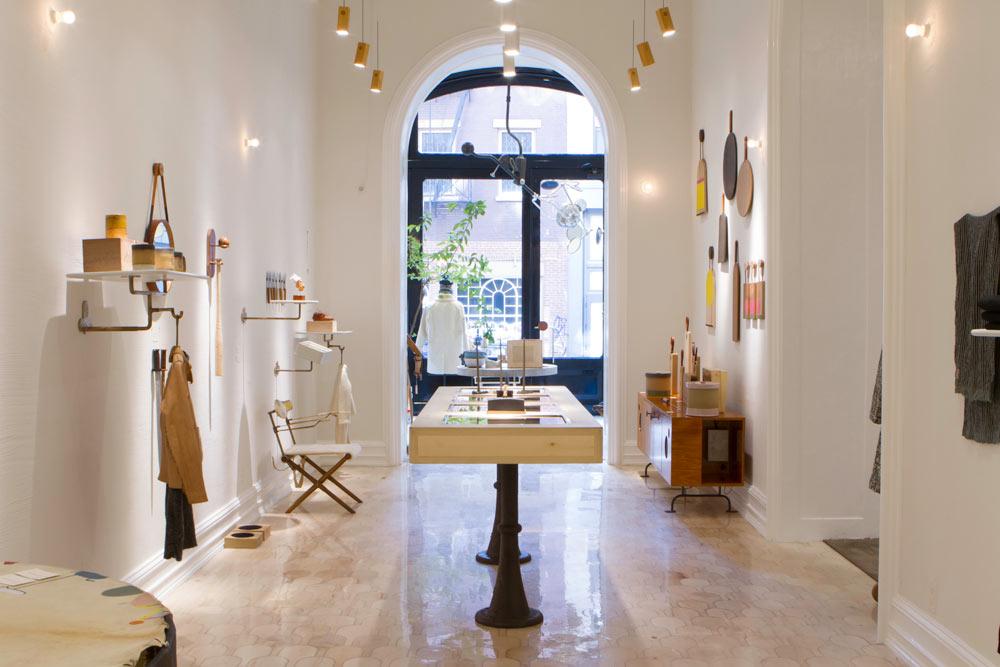 M.CROW showroom