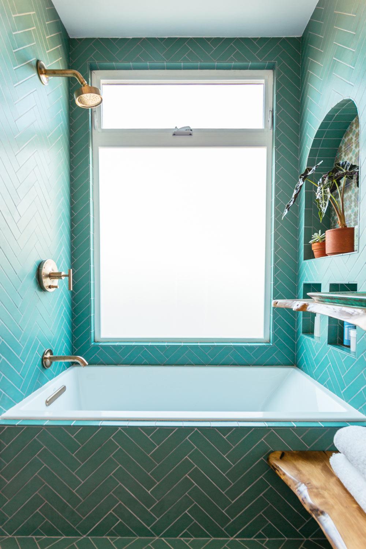 Jungalow bathroom
