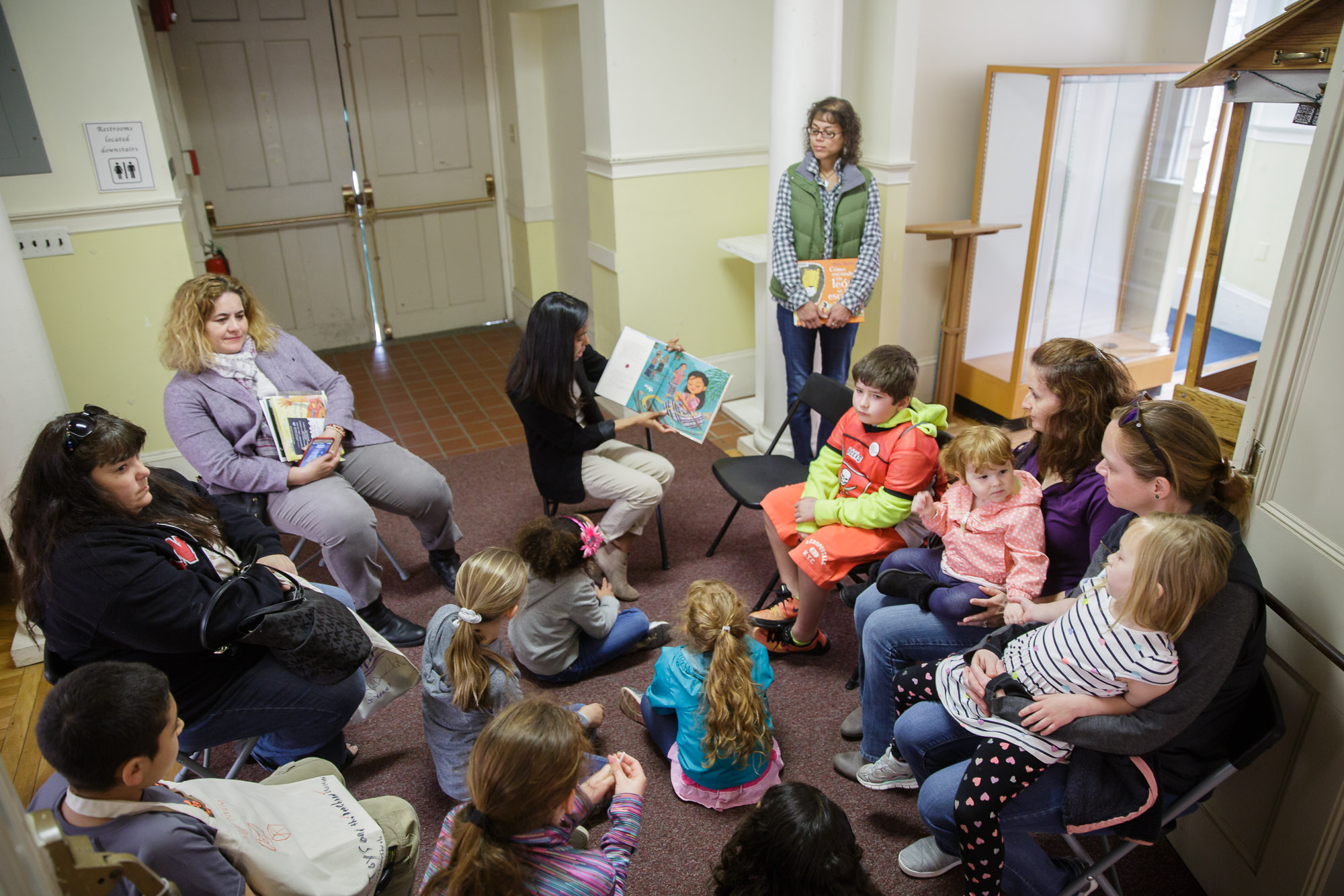 Bilingual story time!
