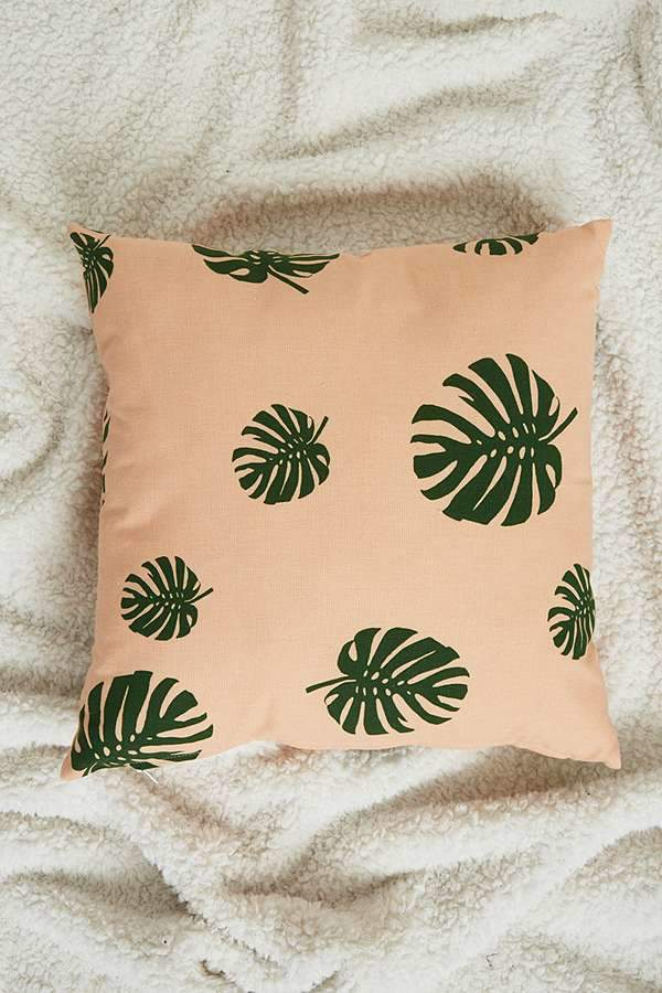 Monsereta Leaf Cushion