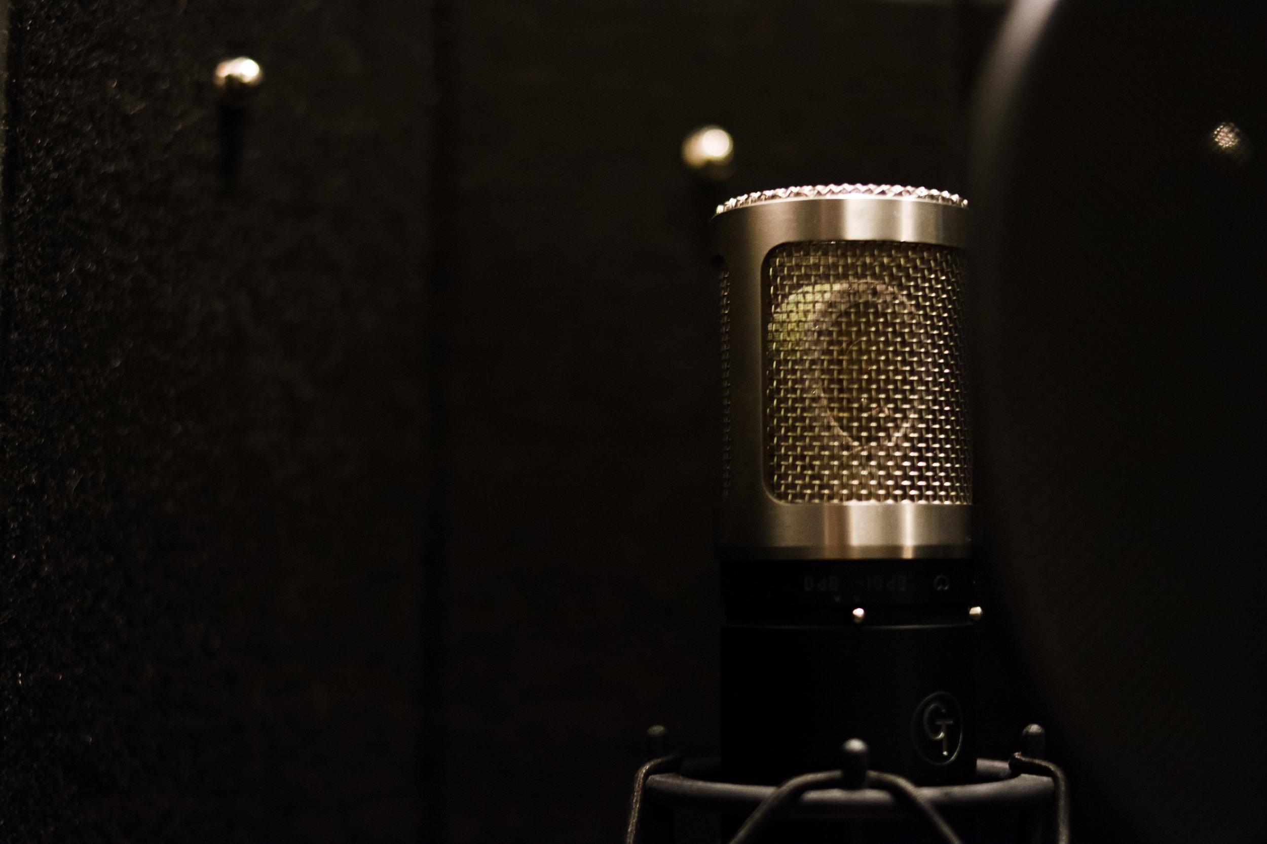 luke-neill-track-11-music-portland-oregon-studio-mic