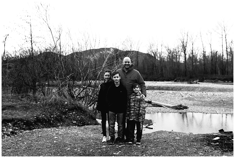father and kids portraits.jpg