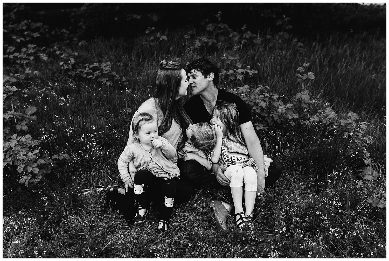 b&w family photography_2.jpg