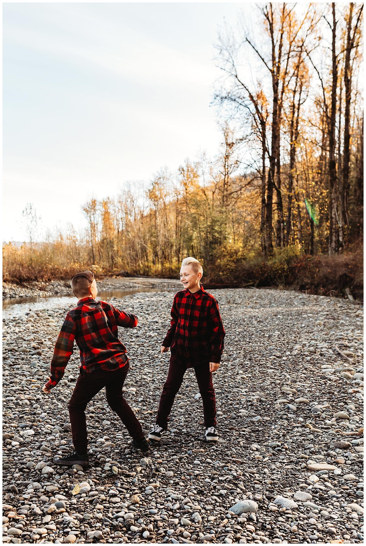 Vedder River Chilliwack Family Photography_18.jpg