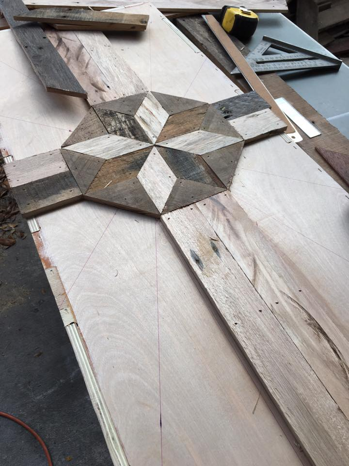 Table-top inlay with starburst pattern
