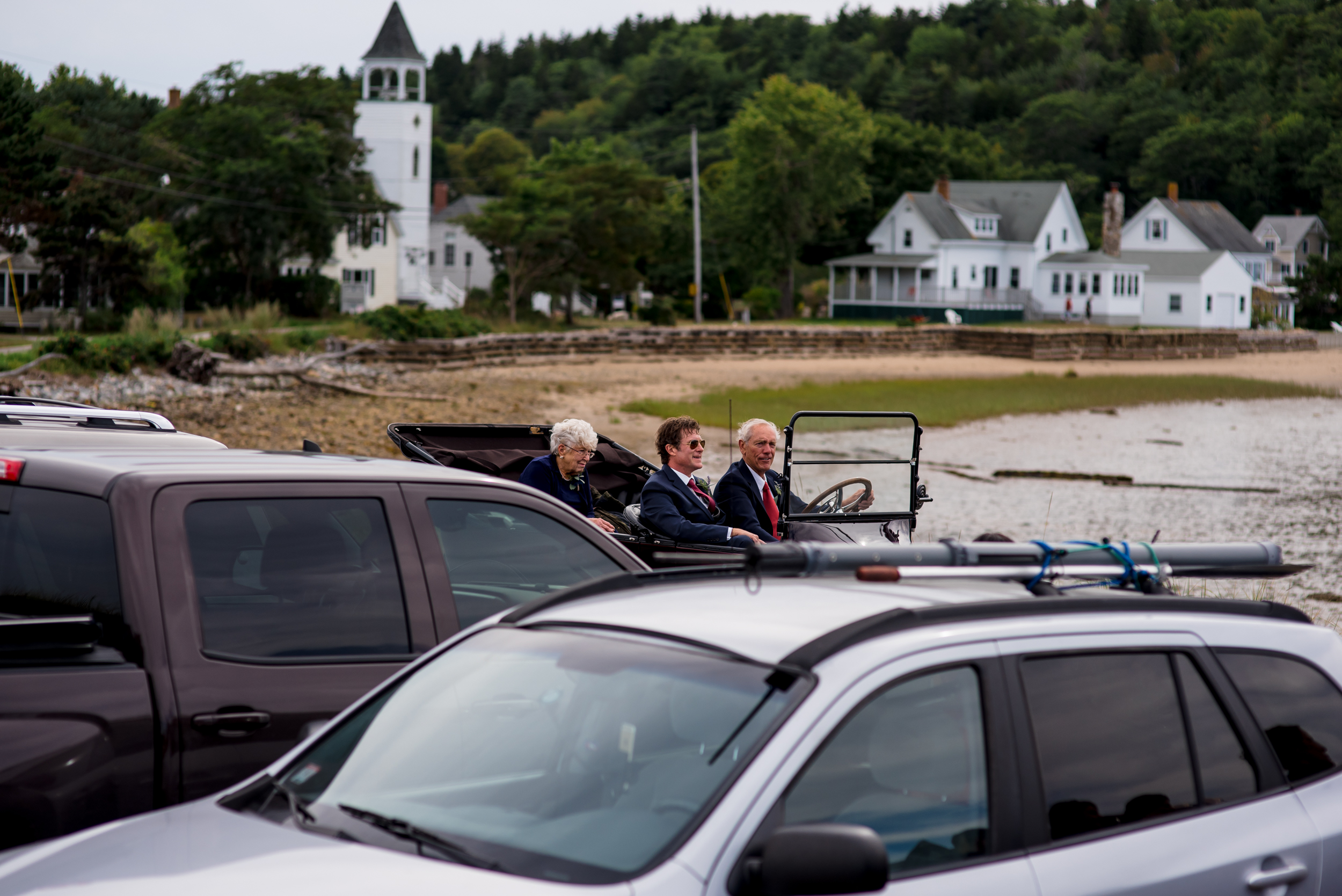 maine wedding photography_bride and groom portraits_vinatage car-28.jpg