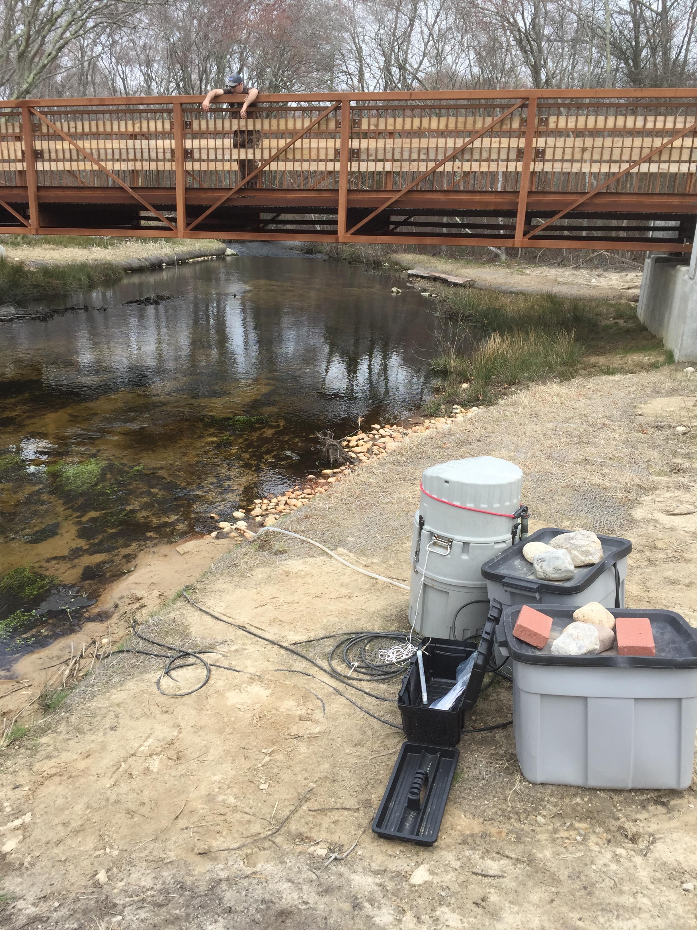 WaterMonitoringEquip at Bridge_image_956_credit RVincent.JPG