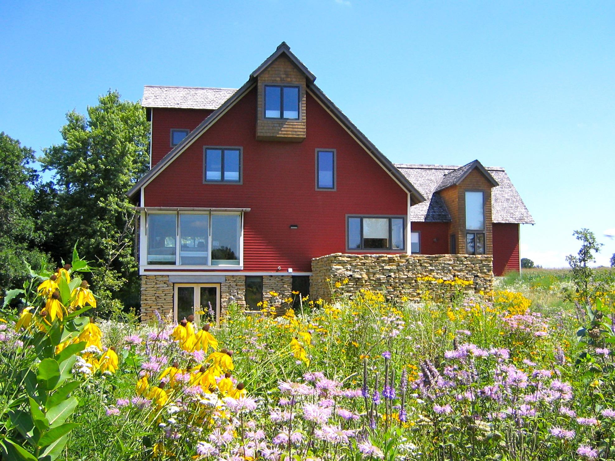 FARM HOUSE & LUTHIER STUDIO