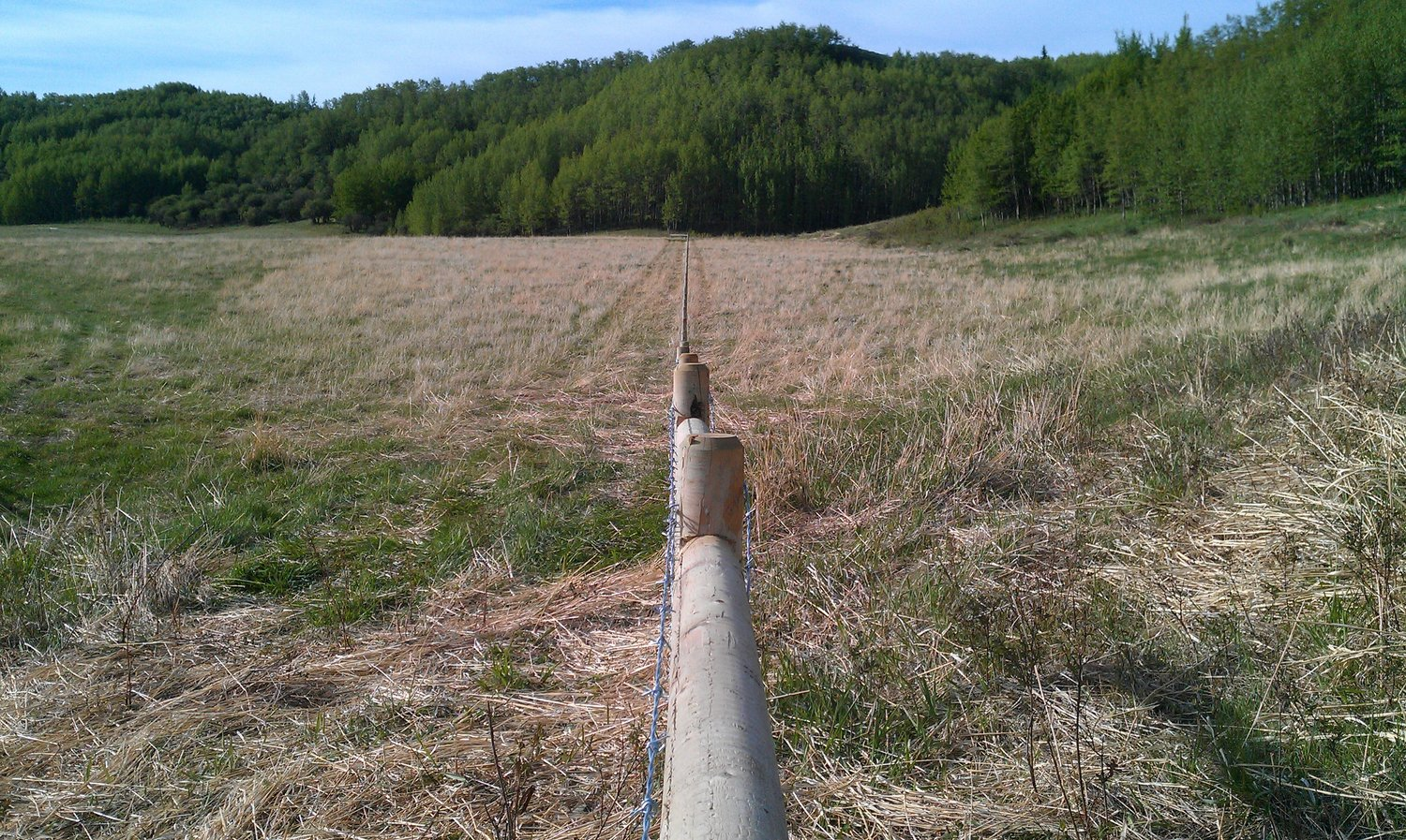 barbed-wire-fence-wildwestfencing.jpg