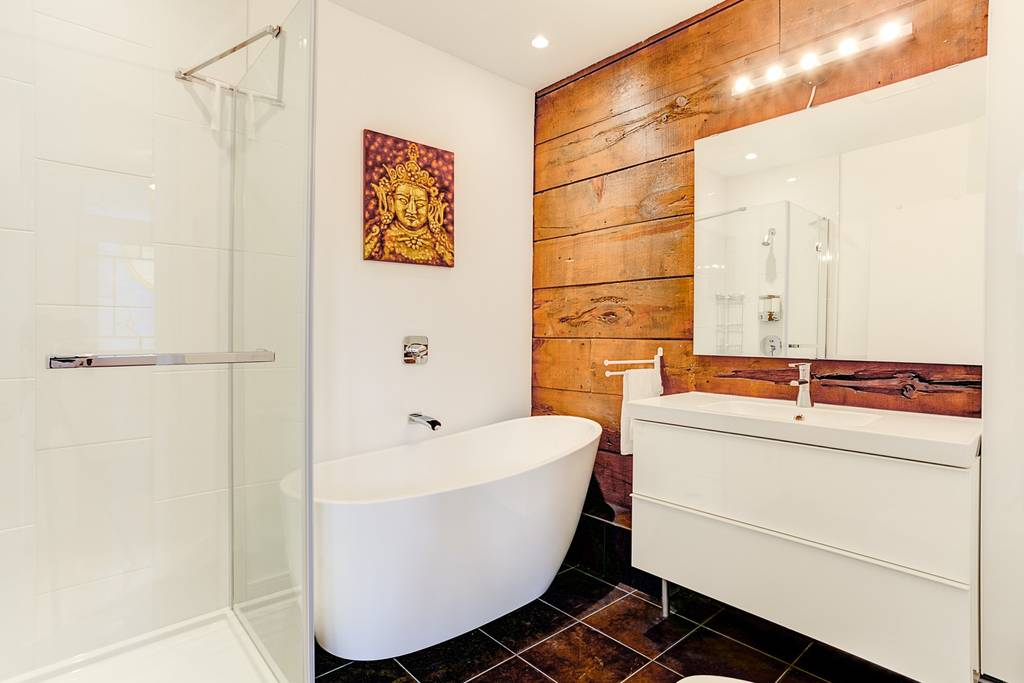 This tub!!! Our Airbnb in Montreal was extremely well located & very nice on the inside. 2 bedrooms, laundry, full kitchen & only $126/night