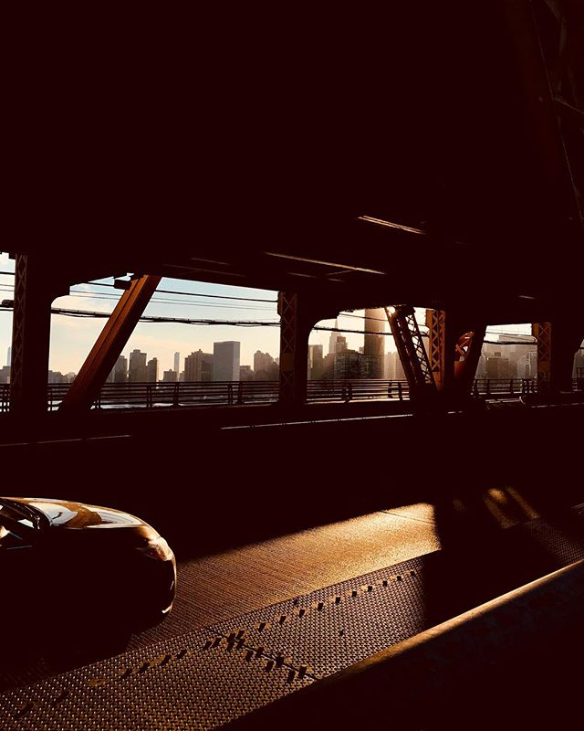 Snap on #queensborobridge  #shotoniphone . . . . . . . . #queens #bridge #citylife #sunshine #manhattan #roadpic #instagram #lighttrays #photographyeveryday #photographylover #worldbestgram #iglobal_photographers #ig_great_pics #ig_myshot #shotwithlove #justgoshoot #agameoftones #ig_exquisite #ig_shotz