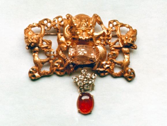 #91 CHINESE DRAGON _cab. ruby, diamonds, Ceylon sapphire .jpg