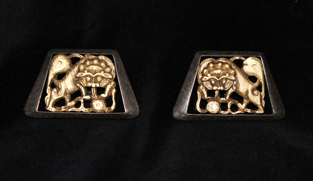 LION EARRINGS-1971