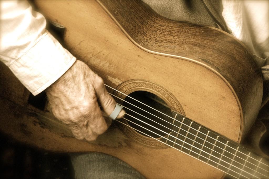 guitar1-1024x680.jpg