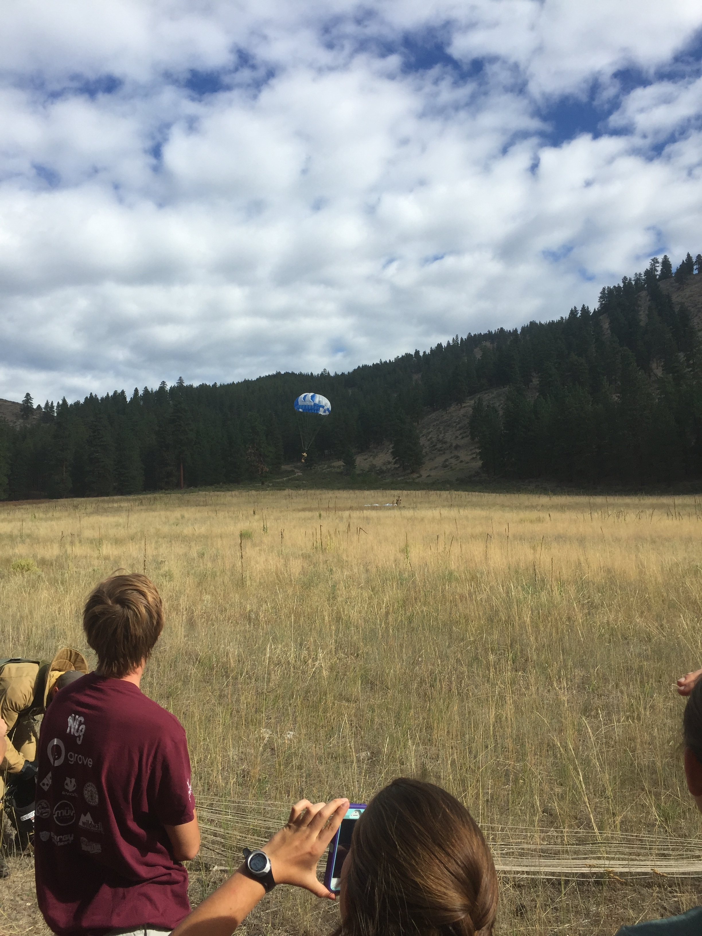 Smokejumpers drop in on our last morning in the Methow
