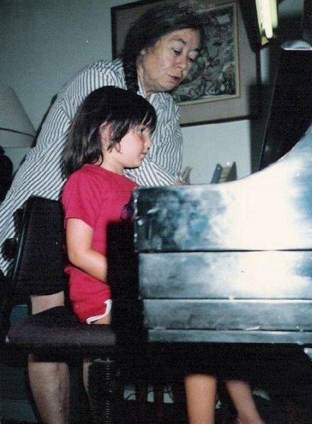 teacher pic wildwood kid me piano.JPG