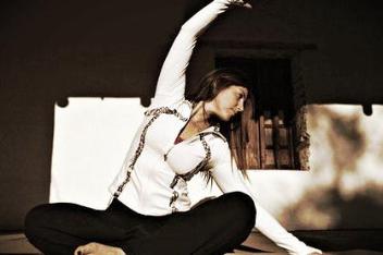 Allison-Howie-Studio-Joie-De-V-Instructor