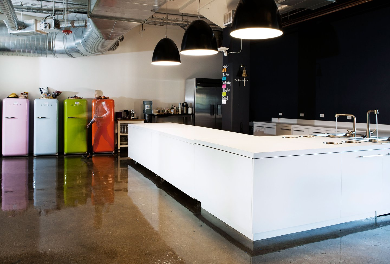 airbnb-office-th6XCOGOuY-full-width.jpg