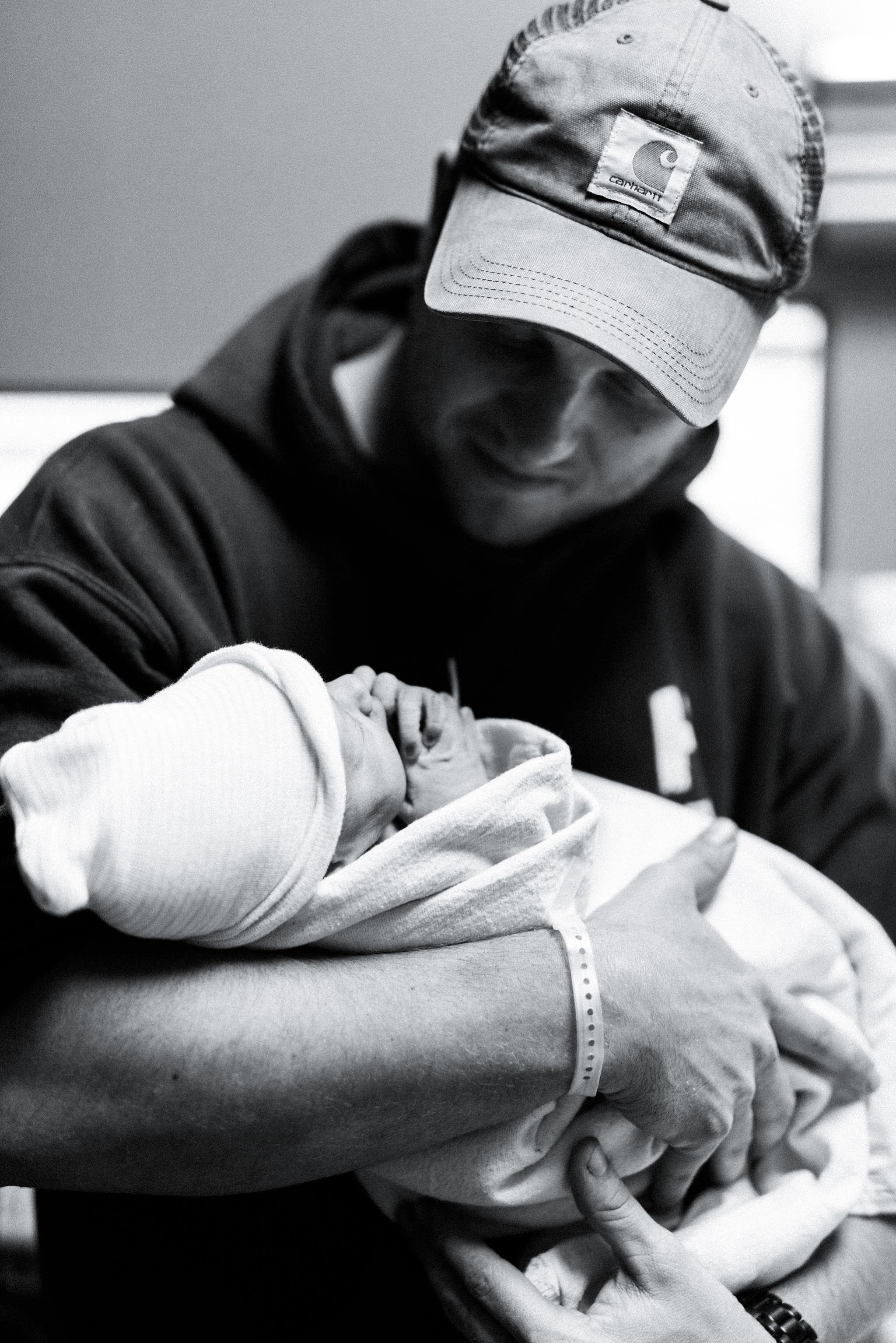 atlanta-birth-photographer-spaulding-regional-hospital-portfolio-5.jpg