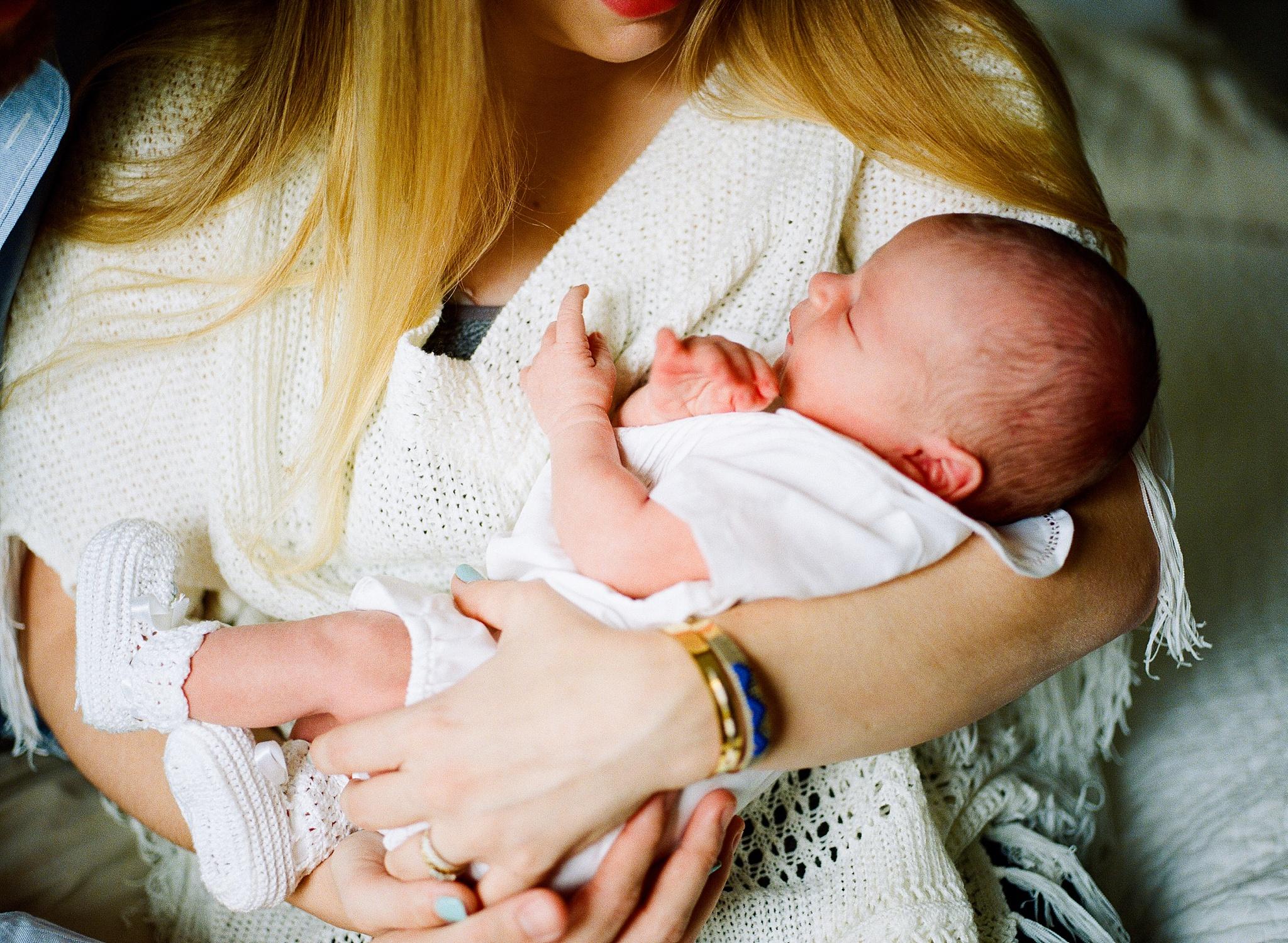 atlanta-georgia-fine-art-film-newborn-photographer-kaitlynne-grice-24.jpg