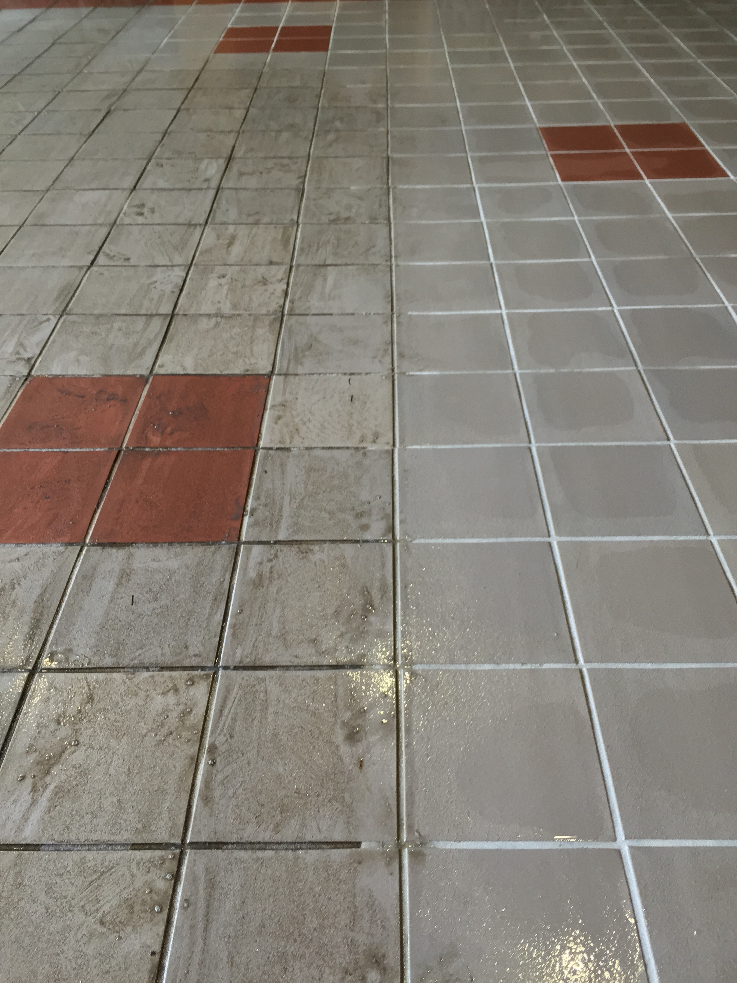 Building entrance floor tile