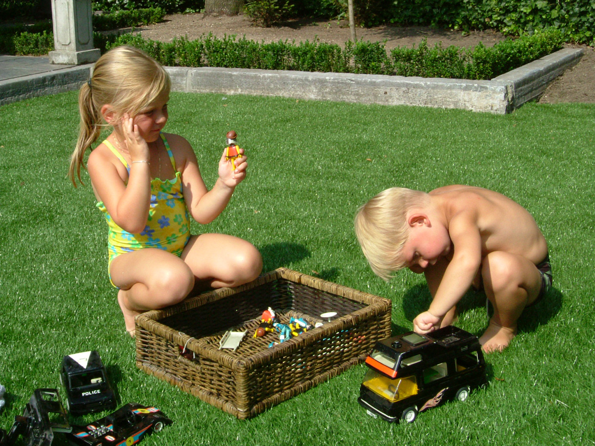 #synthetic grass and kids