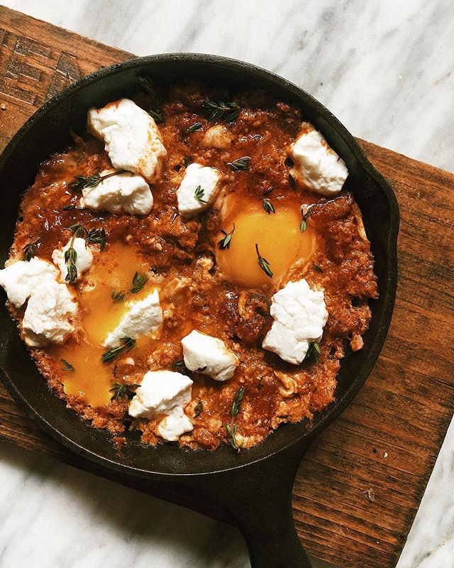 Shakshouka! @simitandchaicompany // #patrickshootsfood // . . . #shotoniphone #toeats #foodphotography #eaters #eateverything #toeats #blogto #foodie #yum #tasty #foodporn #foodie #foodstagram #food🍴#sharefood #freshfood #toeats #foodto #sixeats #6eats  #eat #livetoeat #foodstagram  #food❤️ #eat🍴  #torontobloggers #nyceats #potd #patrickshootsfood #eeeeeats