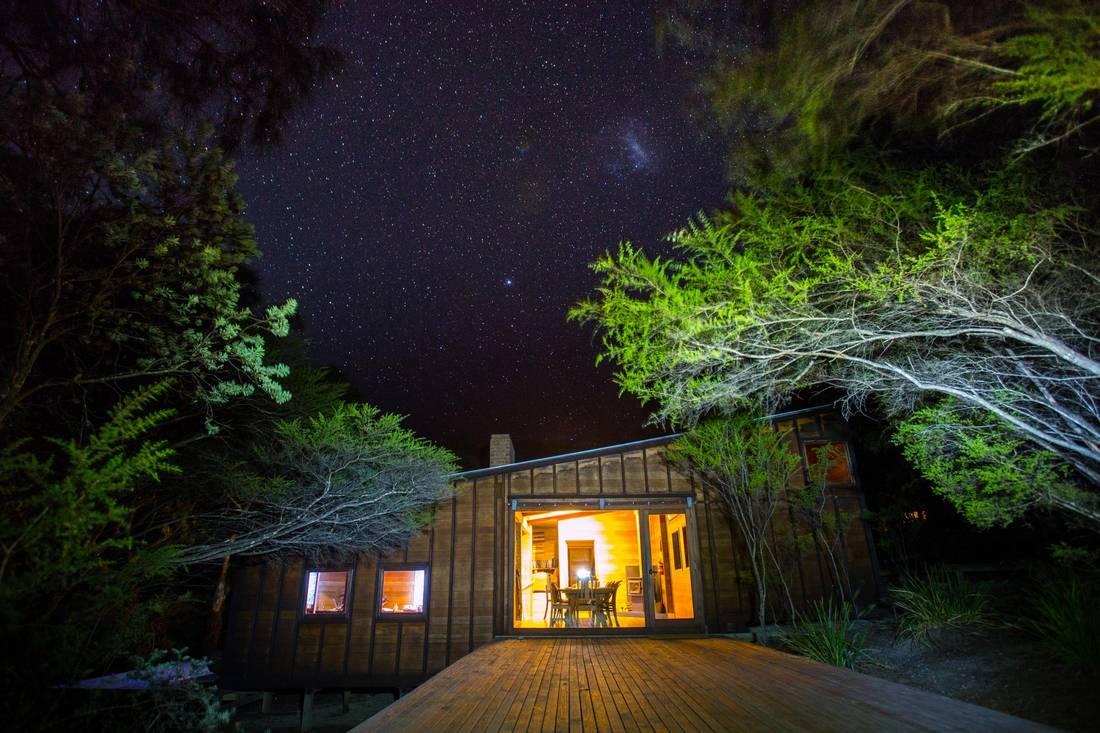 The Freycinet Experience Walk offers luxurious ecolodges. GREAT WALKS OF AUSTRALIA