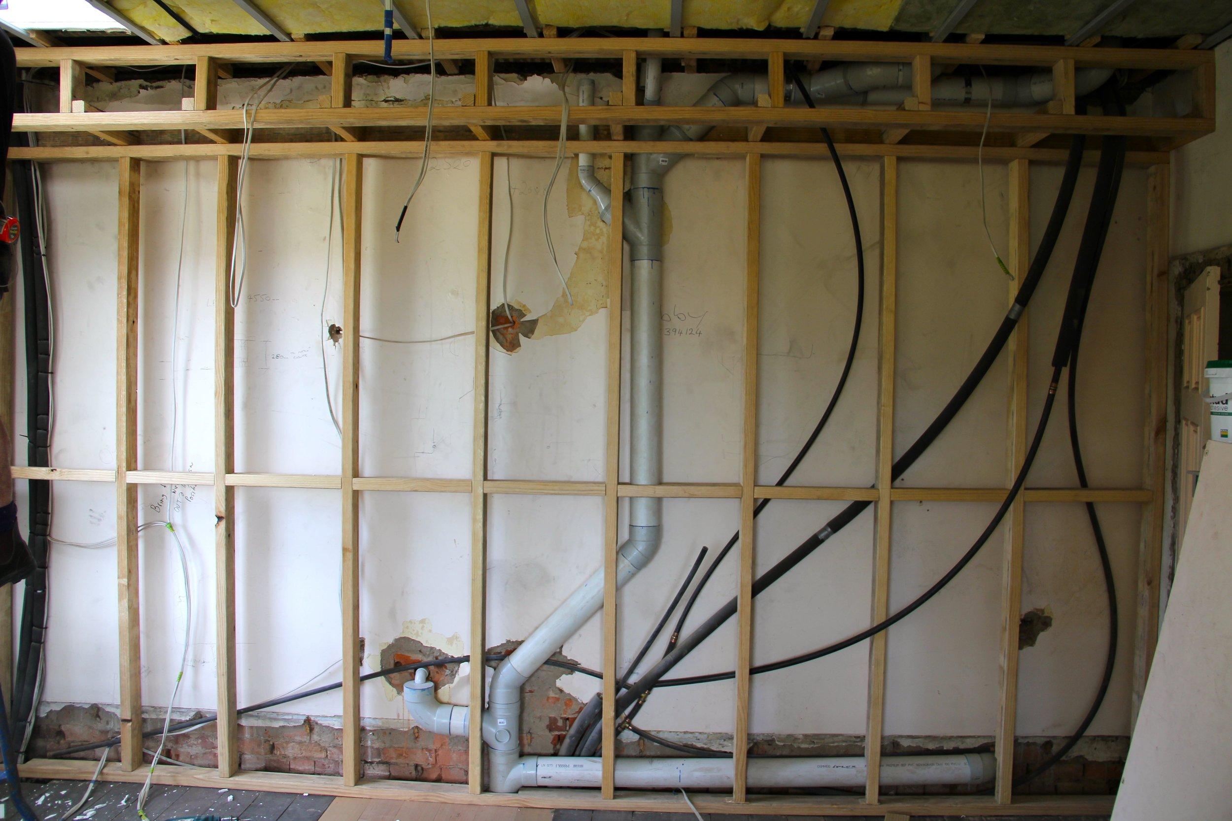 HK sittingroom wall-plumbing01.jpg