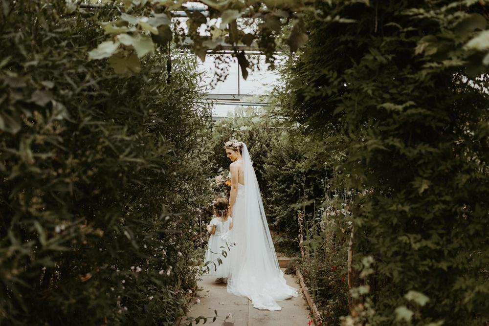 boho-greenhouse-wedding-063.jpg