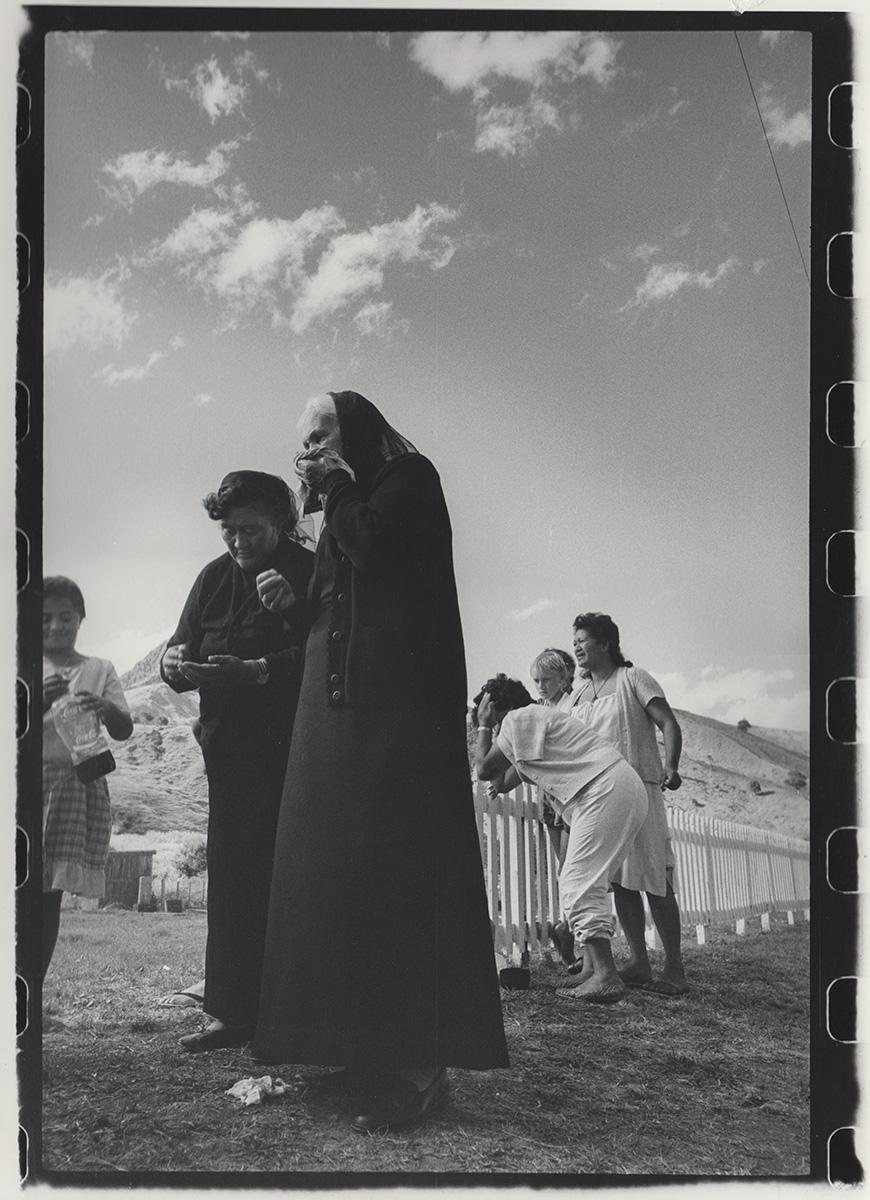 Mourners at the tangi of Prince Tui Teka
