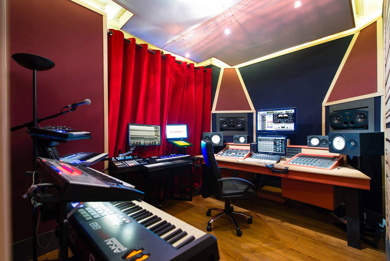 RED HOUSE_L'Aparté studio 2.jpg