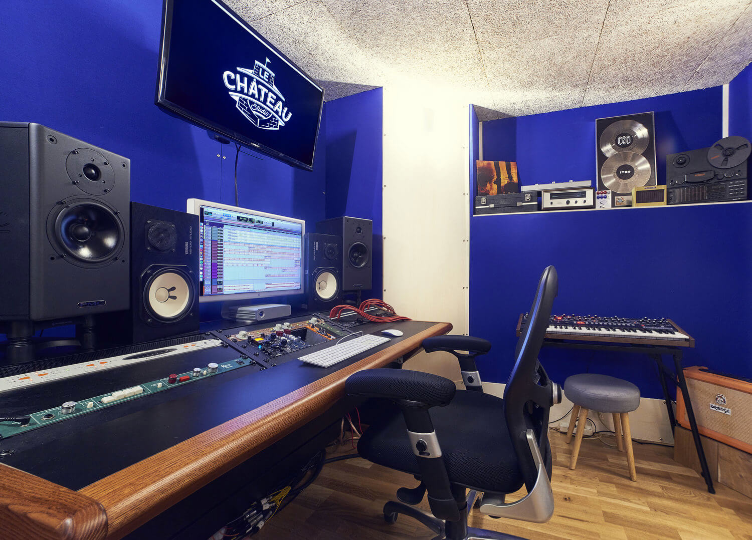 RED HOUSE_Le château studio 2.jpg