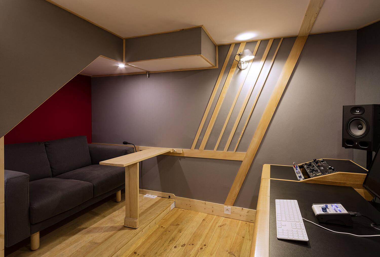 RED HOUSE_Mirage studio 4.jpg