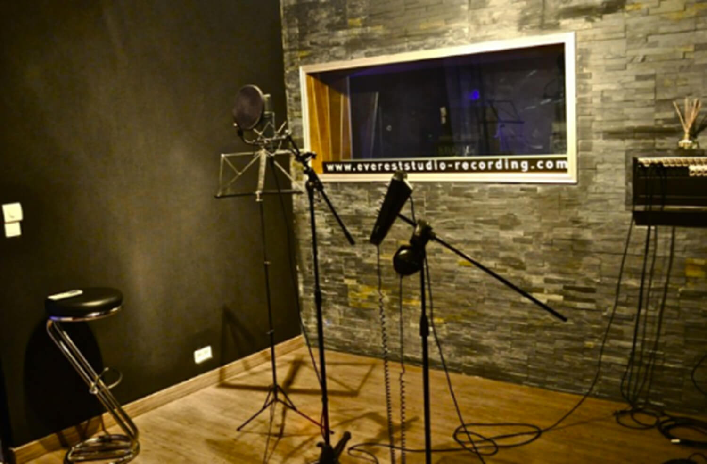 RED HOUSE_Everest studio 3.jpg