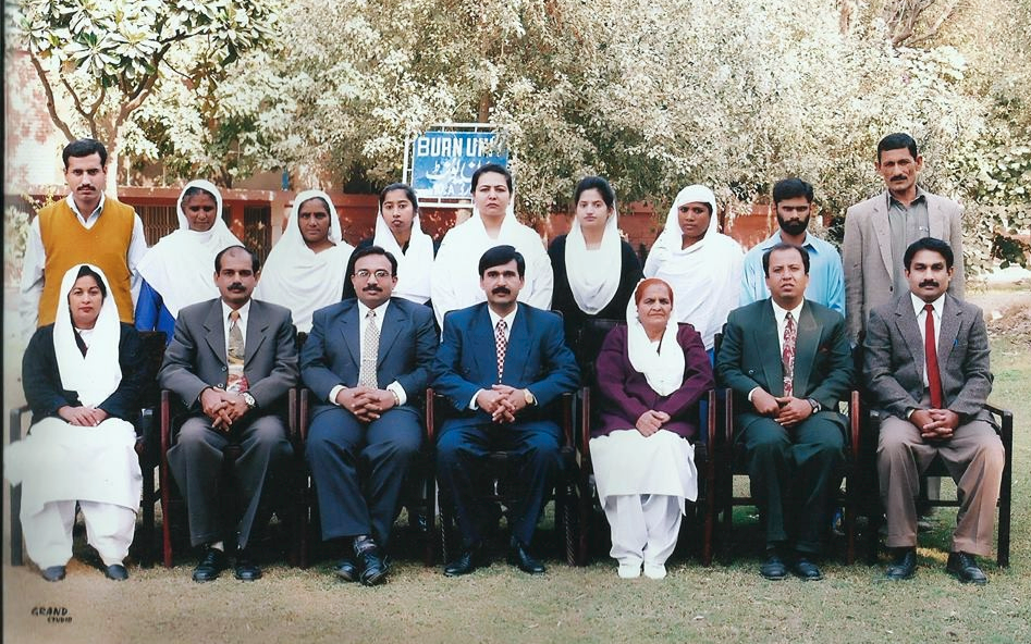 Group photograph with staff while leaving at the end of 2001.