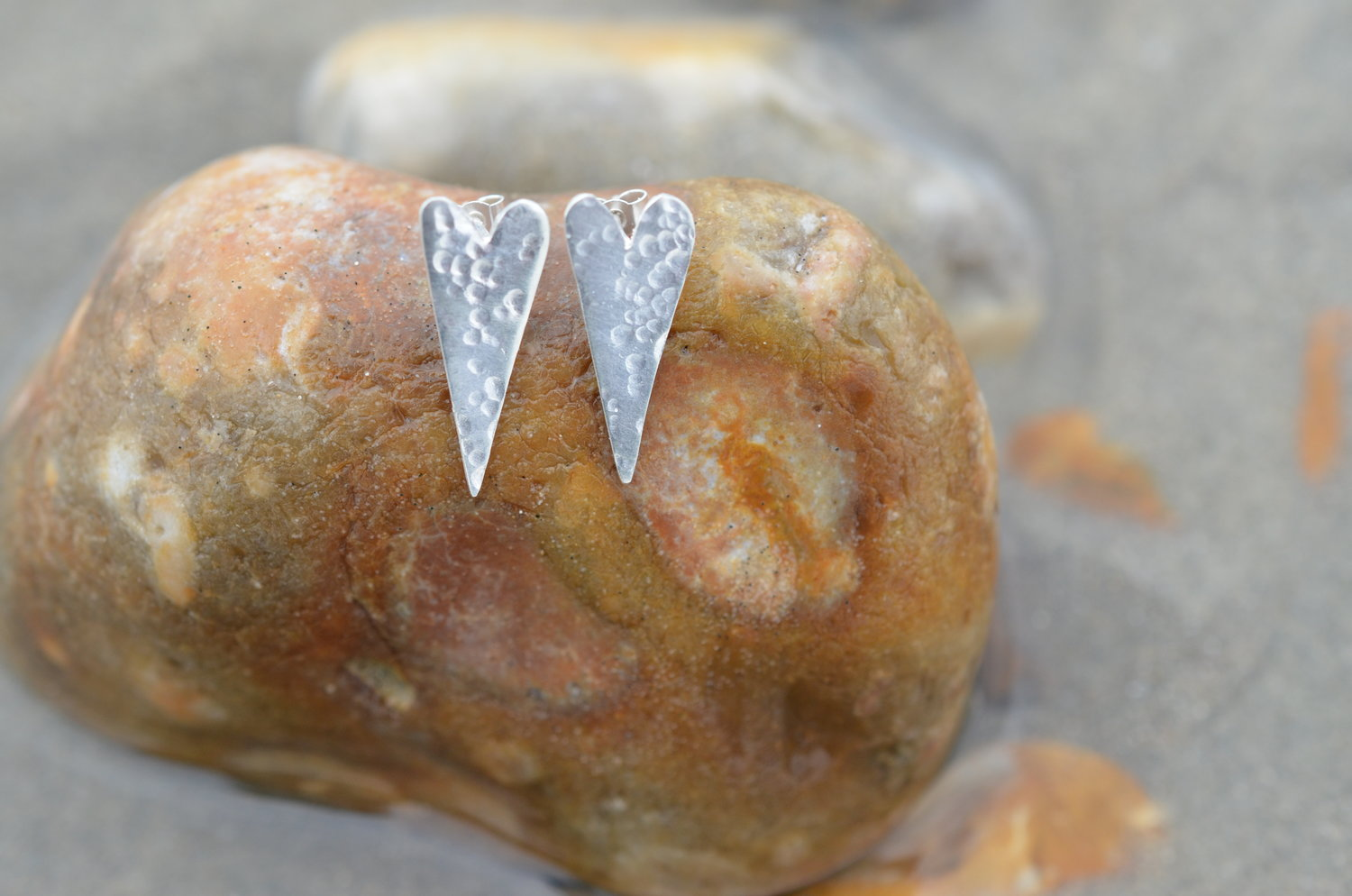 Silver Hammered Heart Studs £40